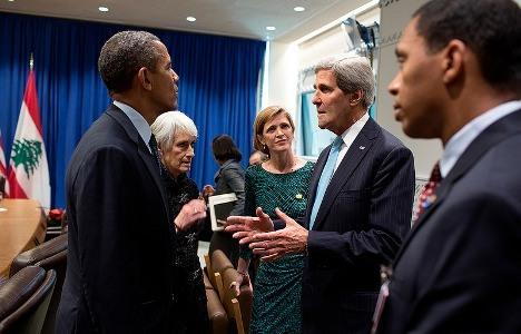אובאמה עם קרי – יאבדו את היכולת להפעיל לחץ על הצדדים לקראת נובמבר? צילום: הבית הלבן